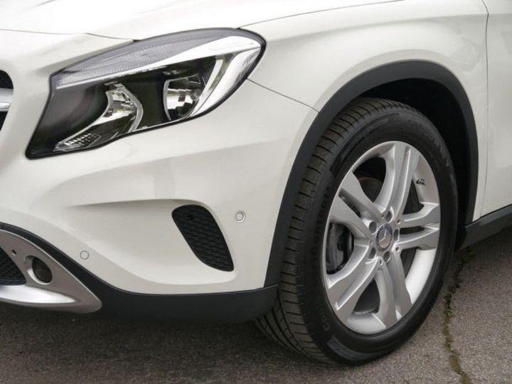 Mercedes CLA 220 d 177 4M 7G-DCT  (12/2015) blanc cirrus - 3