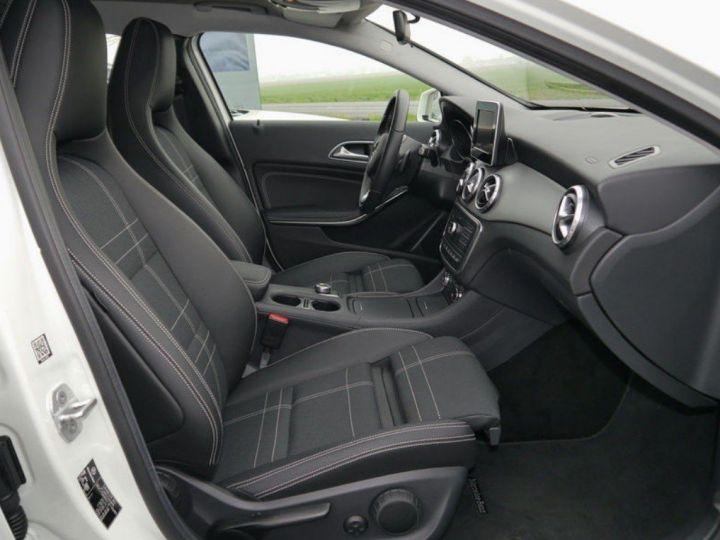 Mercedes CLA 220 d 177 4M 7G-DCT  (12/2015) blanc cirrus - 5