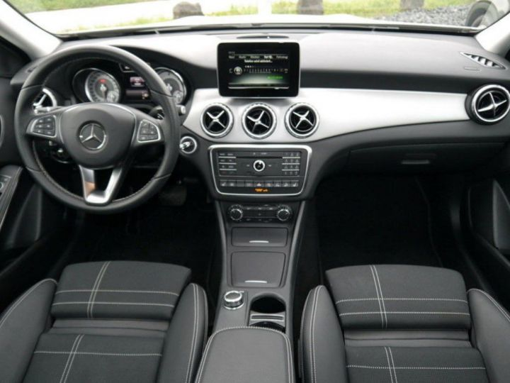 Mercedes CLA 220 d 177 4M 7G-DCT  (12/2015) blanc cirrus - 6