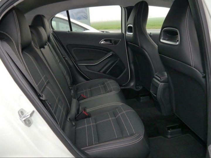 Mercedes CLA 220 d 177 4M 7G-DCT  (12/2015) blanc cirrus - 8