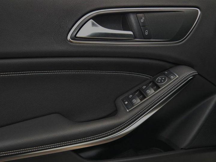 Mercedes CLA 220 d 177 4M 7G-DCT  (12/2015) blanc cirrus - 10
