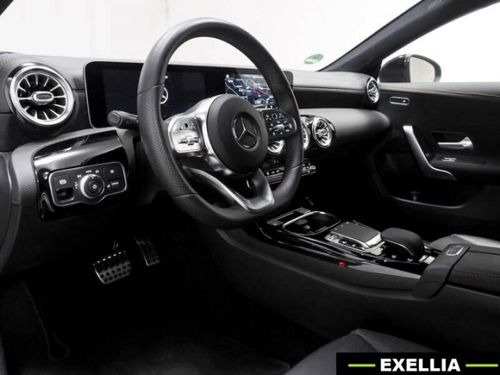 Mercedes CLA 35 AMG 7G DCT 306 CV 4P GRIS MONTAIN  Occasion - 5