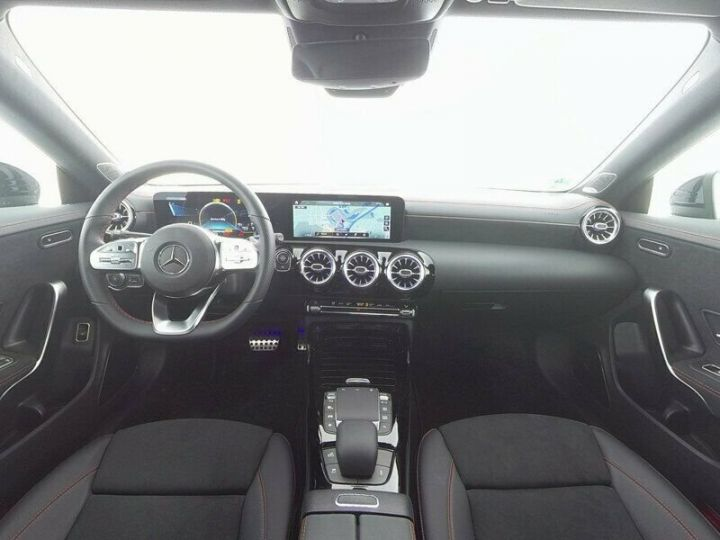 Mercedes CLA 35 AMG 7G DCT 306 CV 4P GRIS Occasion - 8