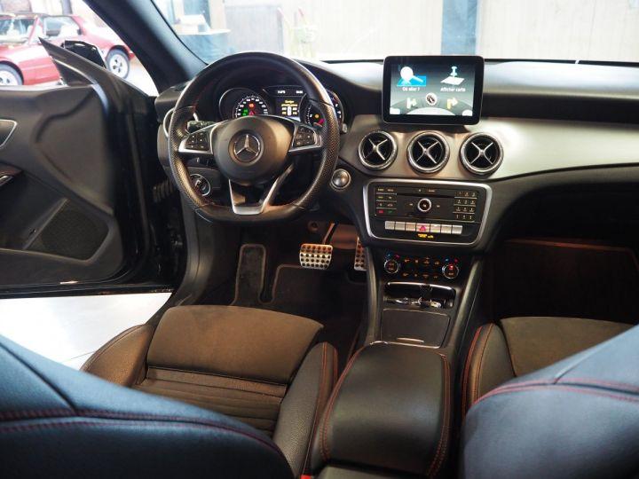 Mercedes CLA Shooting Brake 220d launch edition 7G-DCT NOIR  - 17
