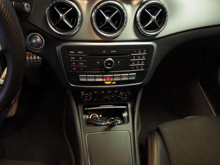 Mercedes CLA Shooting Brake 220d launch edition 7G-DCT NOIR  - 19