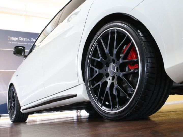 Mercedes CLA Shooting Brake 45 AMG 381CH 4MATIC SPEEDSHIFT DCT BLANC Occasion - 5