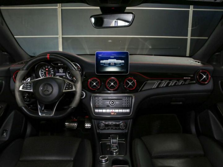 Mercedes CLA Shooting Brake 45 AMG 381CH 4MATIC SPEEDSHIFT DCT BLANC Occasion - 11