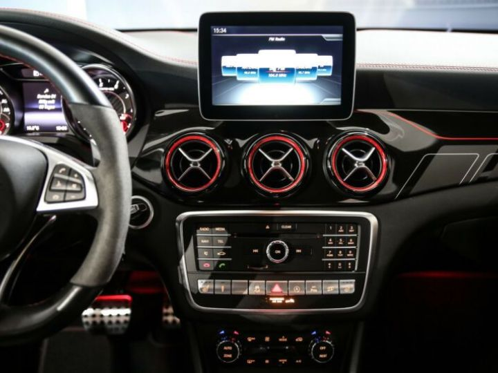 Mercedes CLA Shooting Brake 45 AMG 381CH 4MATIC SPEEDSHIFT DCT BLANC Occasion - 12