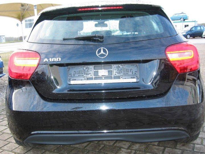 Mercedes Classe A 180 BlueEfficiency 122cv (03/2014) noir metal - 7