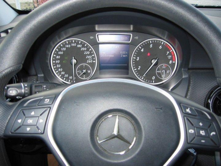 Mercedes Classe A 180 BlueEfficiency 122cv (03/2014) noir metal - 12