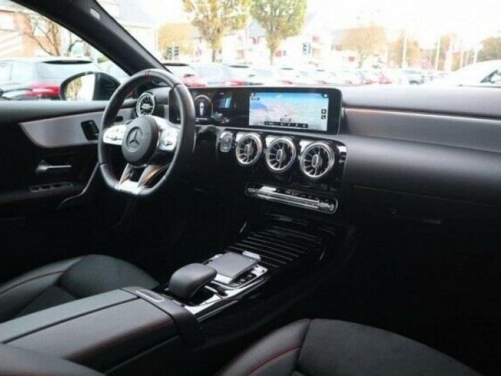 Mercedes Classe A 35 AMG 4 MATIC 7G DCT GRIS MONTAIN  Occasion - 14