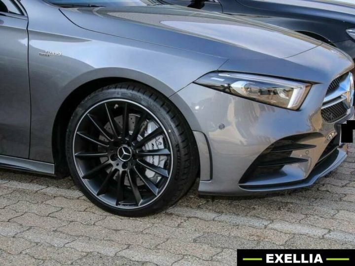 Mercedes Classe A A35 AMG 4 MATIC GRIS Occasion - 1