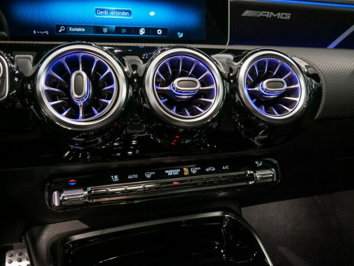 Mercedes Classe A EDITION 1 A35 AMG 4M PANO LED Bleu - 12