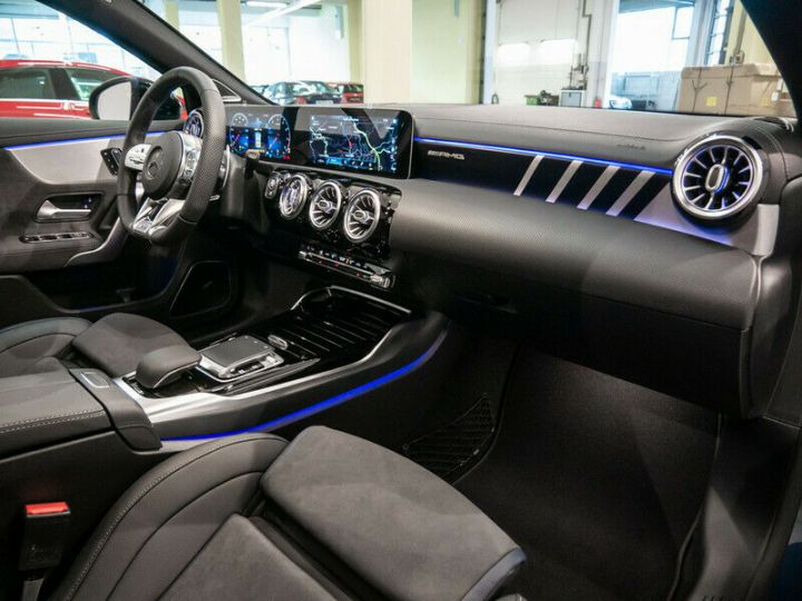 Mercedes Classe A EDITION 1 A35 AMG 4M PANO LED Bleu - 20