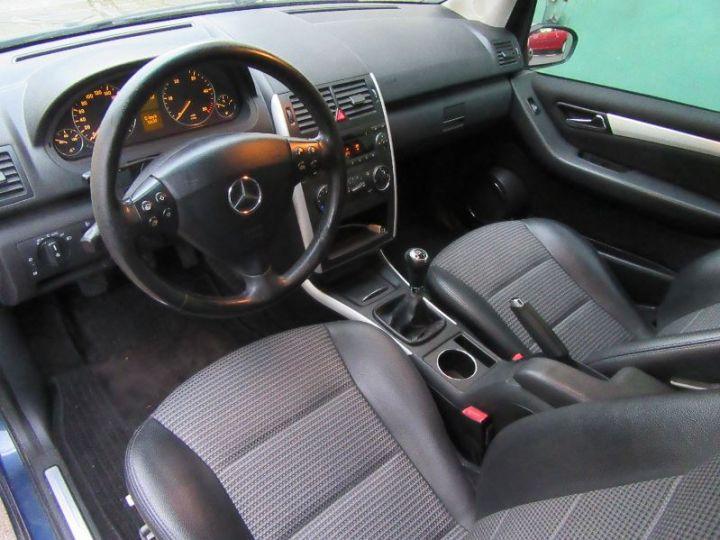 Mercedes Classe A W169 200 CDI AVANTGARDE 5P BLEU FONCÉ Occasion - 4