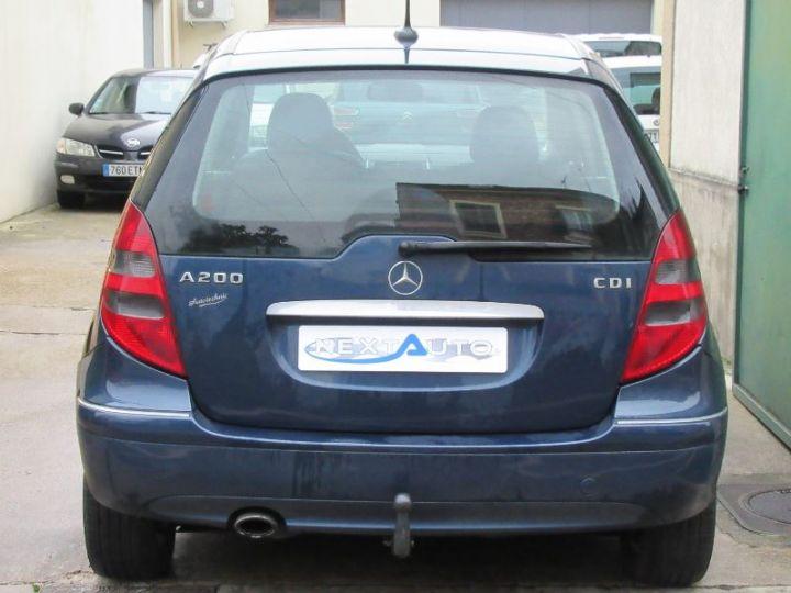 Mercedes Classe A W169 200 CDI AVANTGARDE 5P BLEU FONCÉ Occasion - 10