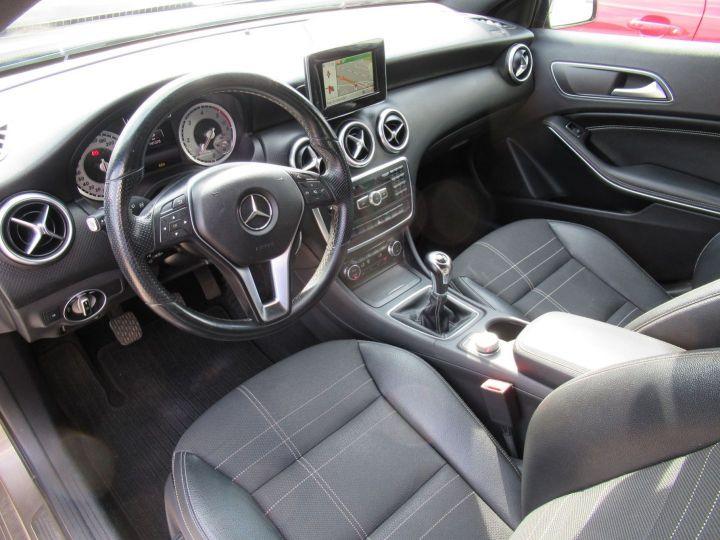 Mercedes Classe A (W176) 180 CDI BUSINESS EXECUTIVE Gris Fonce - 2