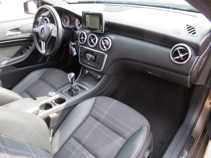 Mercedes Classe A (W176) 180 CDI BUSINESS EXECUTIVE Gris Fonce - 17