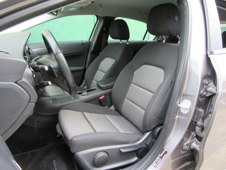 Mercedes Classe A W176 200 D BUSINESS 7G-DCT GRIS FONCE Occasion - 4
