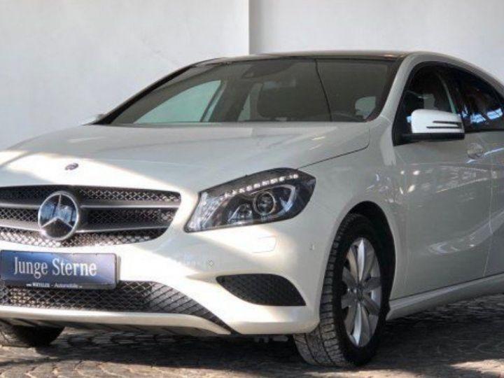 Mercedes Classe B 220 CDI 170 cv 7G-TRON(12/2013) blanc - 2