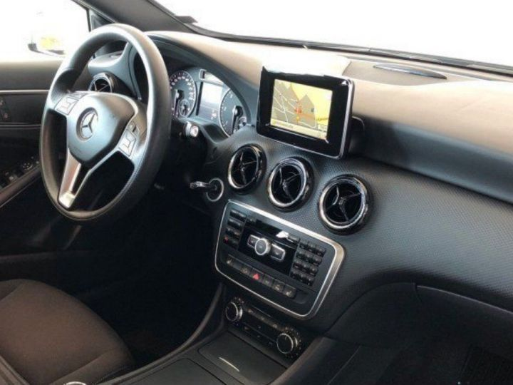 Mercedes Classe B 220 CDI 170 cv 7G-TRON(12/2013) blanc - 6