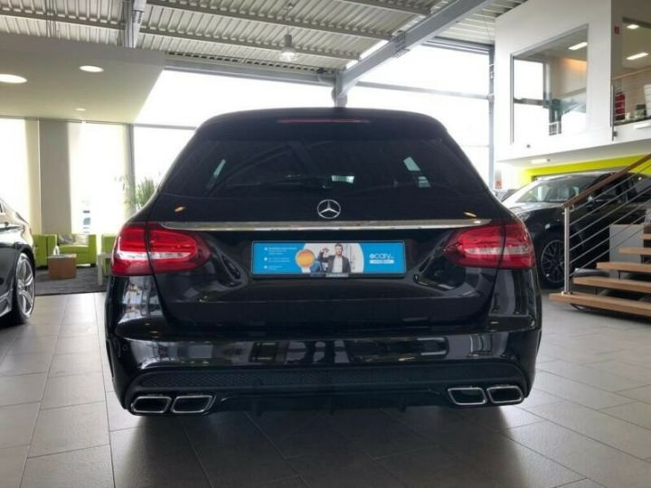 Mercedes Classe C 63 AMG T AMG Performance / GPS / PHARE LED / REGULATEUR / SIEGE CHAUFFANTS / GARANTIE 12 MOIS Noir métallisée  - 3