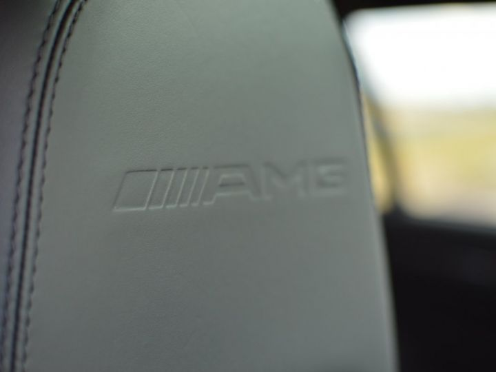 Mercedes Classe C C63 AMG W204 2EME MAIN HISTORIQUE FULL MERCEDES NOIR METAL - 17