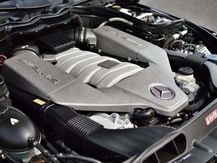 Mercedes Classe C C63 AMG W204 2EME MAIN HISTORIQUE FULL MERCEDES NOIR METAL - 19