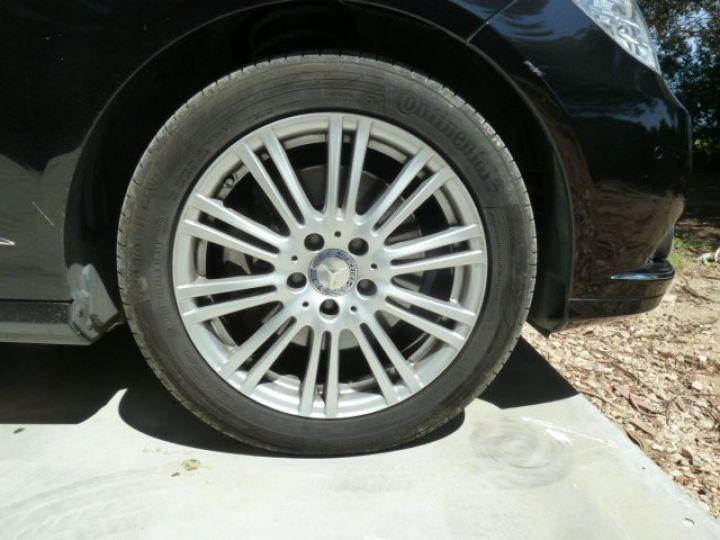 Mercedes Classe E 300 CDI 7 G-TRONIC NOIR OBSYDIENNE METALLISE - 6
