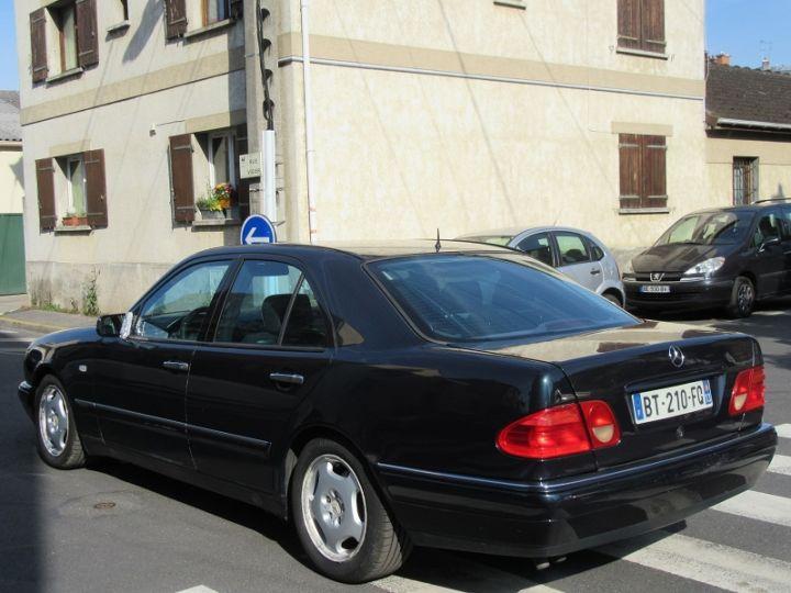 Mercedes Classe E 300TD AVANTGARDE BA NOIR Occasion - 2