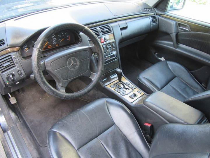 Mercedes Classe E 300TD AVANTGARDE BA NOIR Occasion - 3