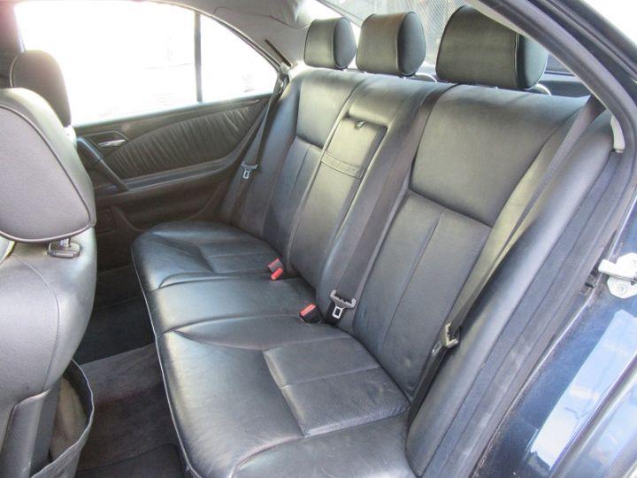 Mercedes Classe E 300TD AVANTGARDE BA NOIR Occasion - 4