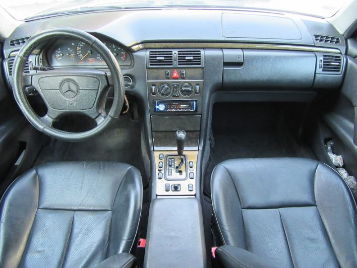 Mercedes Classe E 300TD AVANTGARDE BA NOIR Occasion - 5