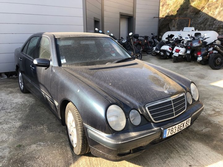 Mercedes Classe E E270 270CDI ELEGANCE BA Noir - 1
