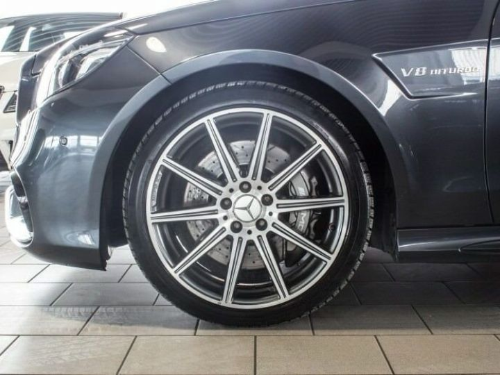 Mercedes Classe E IV AMG 63 4MATIC Noir métallisé - 5