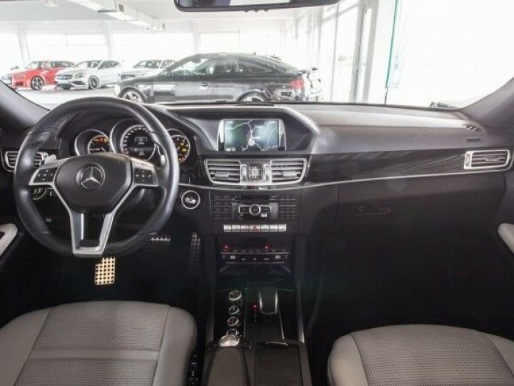 Mercedes Classe E IV AMG 63 4MATIC Noir métallisé - 6