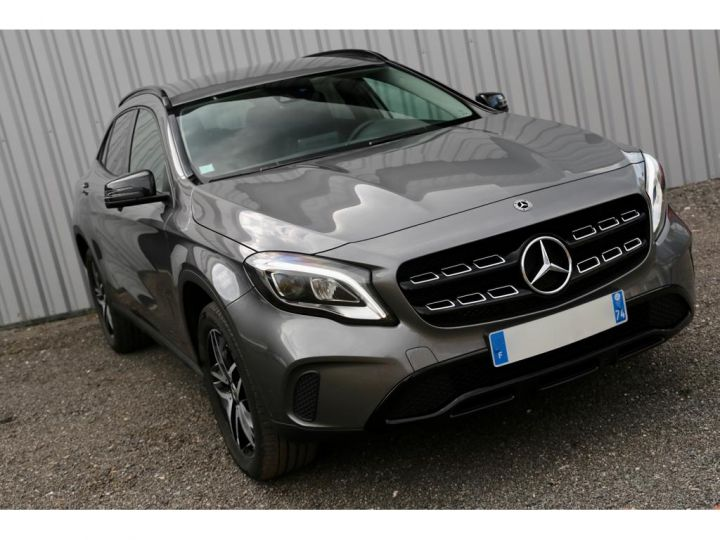 Mercedes Classe GLA 180 7-G DCT Sensation GRIS - 1