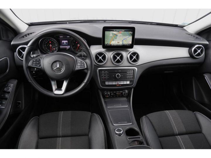 Mercedes Classe GLA 180 7-G DCT Sensation GRIS - 5