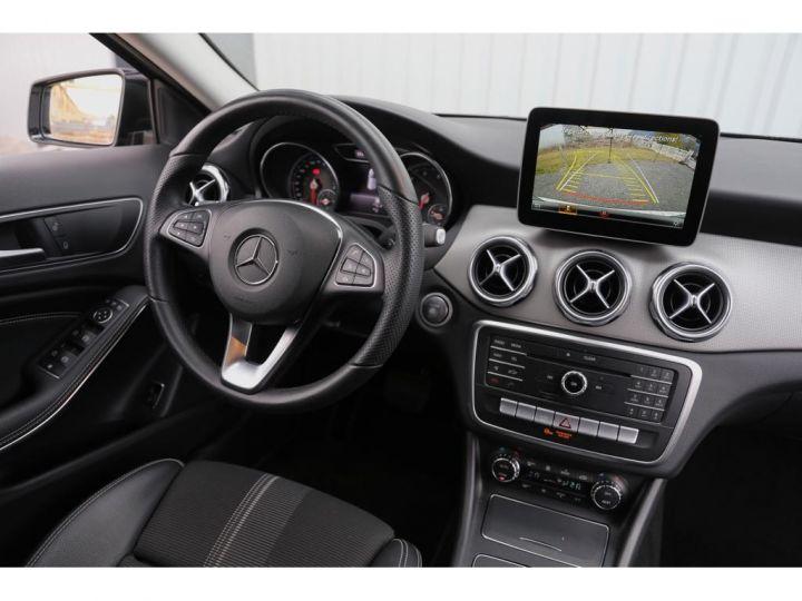 Mercedes Classe GLA 180 7-G DCT Sensation GRIS - 7