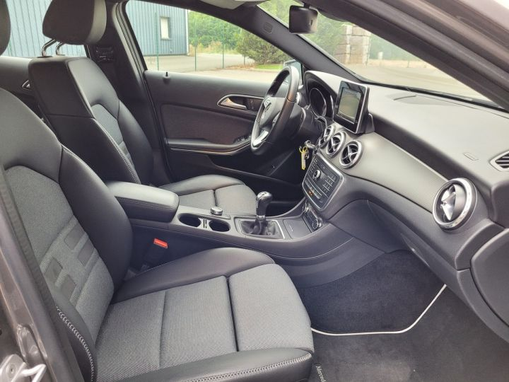 Mercedes Classe GLA 180 cdi inspiration ii Gris Occasion - 8