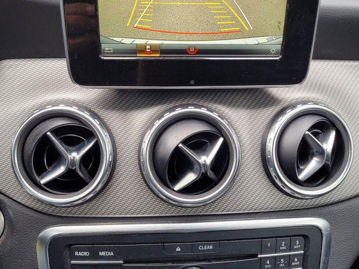 Mercedes Classe GLA 180 cdi inspiration ii Gris Occasion - 11