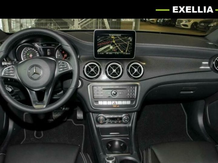 Mercedes Classe GLA 200 D AMG NIGHT EDITION  GRIS Occasion - 3