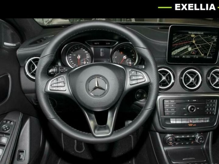 Mercedes Classe GLA 200 D AMG NIGHT EDITION  GRIS Occasion - 6