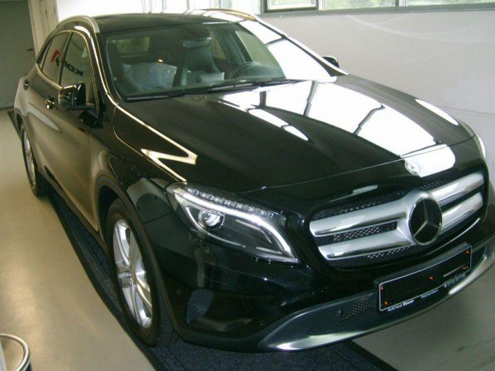 Mercedes Classe GLA 220 CDI 177 cv 7G-TRON(07/2015) noir metal - 1