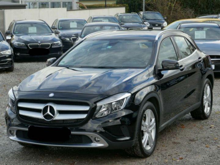Mercedes Classe GLA 220 CDI 4MATIC 7G-DTC NOIR - 1