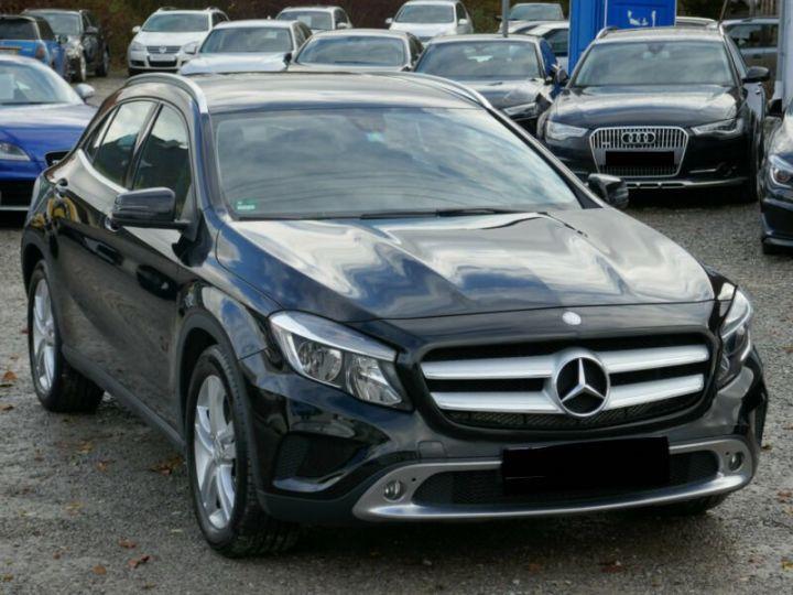 Mercedes Classe GLA 220 CDI 4MATIC 7G-DTC NOIR - 3