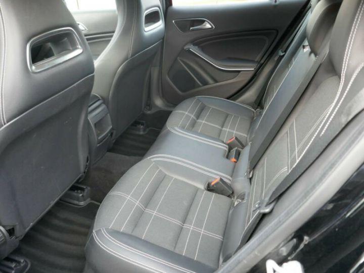 Mercedes Classe GLA 220 CDI 4MATIC 7G-DTC NOIR - 9