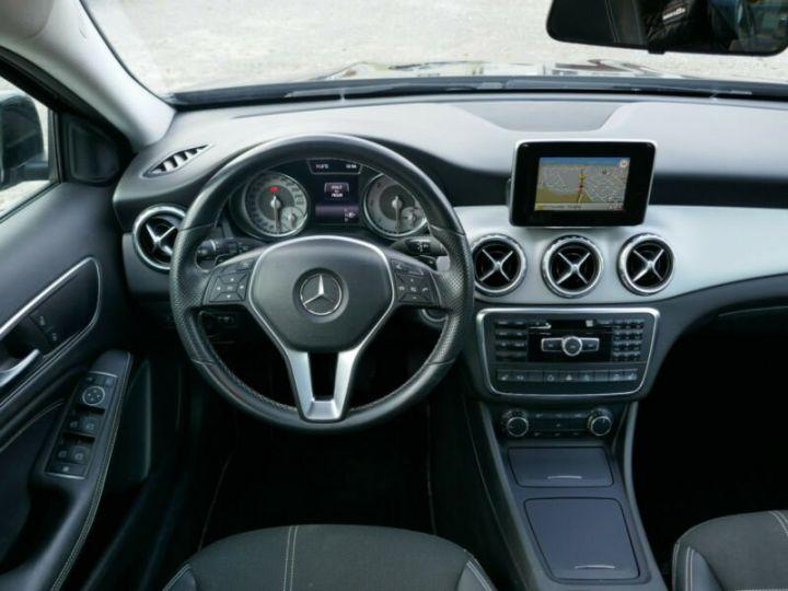 Mercedes Classe GLA 220 CDI 4MATIC 7G-DTC NOIR - 11