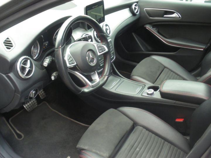 Mercedes Classe GLA 220 FASCINATION AMG 4 MATIC gris - 2