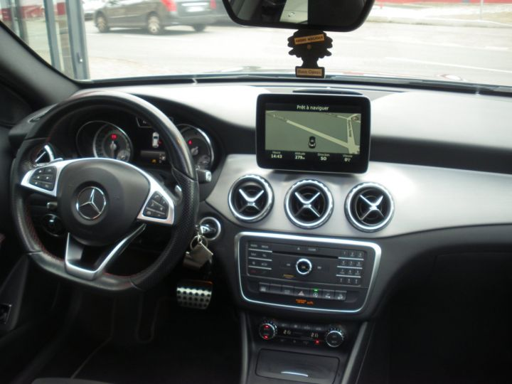 Mercedes Classe GLA 220 FASCINATION AMG 4 MATIC gris - 7